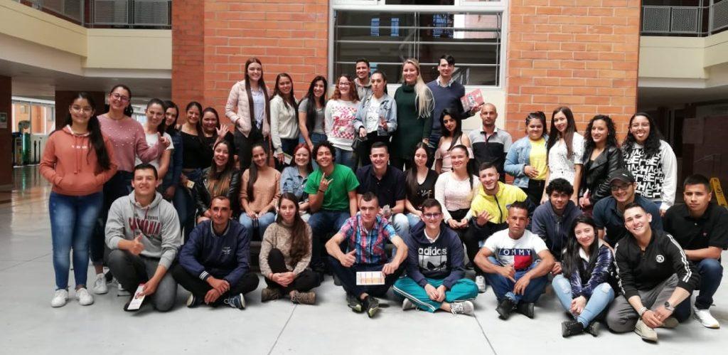 Estudiantes becados del oriente antioqueño de la  Fundación Aurelio Llano Posada